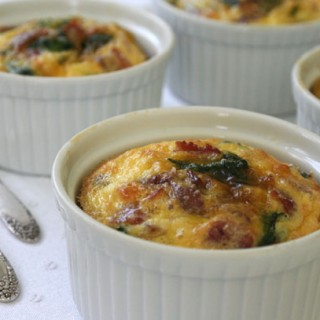 Baked Eggs with Spinach, Bacon and Potatoes