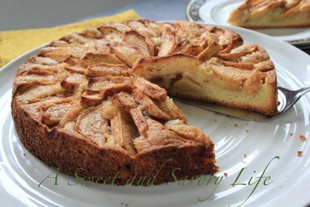 Simply Sweet Apple Cake