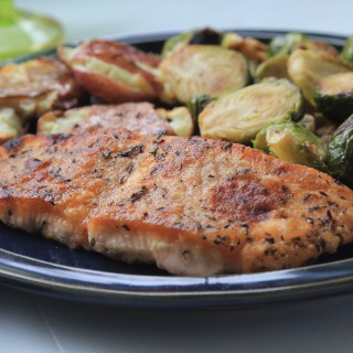 Superfast Herb Crusted Salmon: Dinner Under 300 Calories