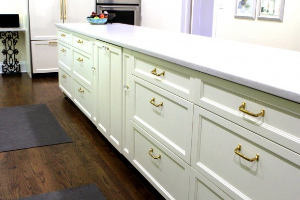 A kitchen island of drawers