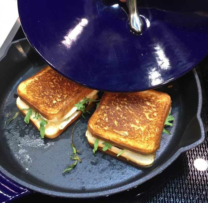 Cooking the grilled cheese
